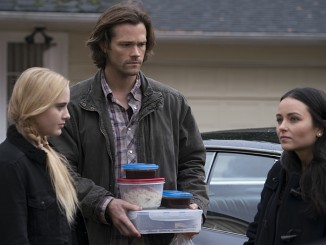 """Supernatural -- """"Don't You Forget About Me"""" -- Image SN1112A_0034.jpg -- Pictured (L-R): Kathryn Love Newton as Claire Novak, Jared Padalecki as Sam and Katherine Ramdeen as Alex -- Photo: Katie Yu/The CW -- © 2016 The CW Network, LLC. All Rights Reserved."""